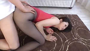 Asian Full-grown Pantyhose Show