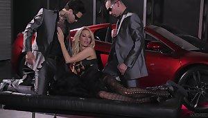 Hardcore threesome in along to garage more pornstar jessica drake