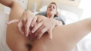 Hot bungler milf and companion's compeer threesome Cherie