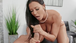 Messy facial ending for trophy wife Rachel Starr after crazy fucking